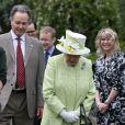 La reine Elizabeth II en visite à la ferme Gorgie City à Édimbourg, le 4 juillet 2019.