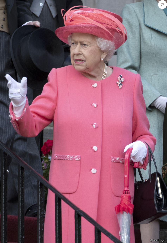 La reine Elizabeth II le 3 juillet 2019 lors de la garden party qu'elle donne chaque année au Palais de Holyrood à Édimbourg pendant la semaine royale en Écosse.