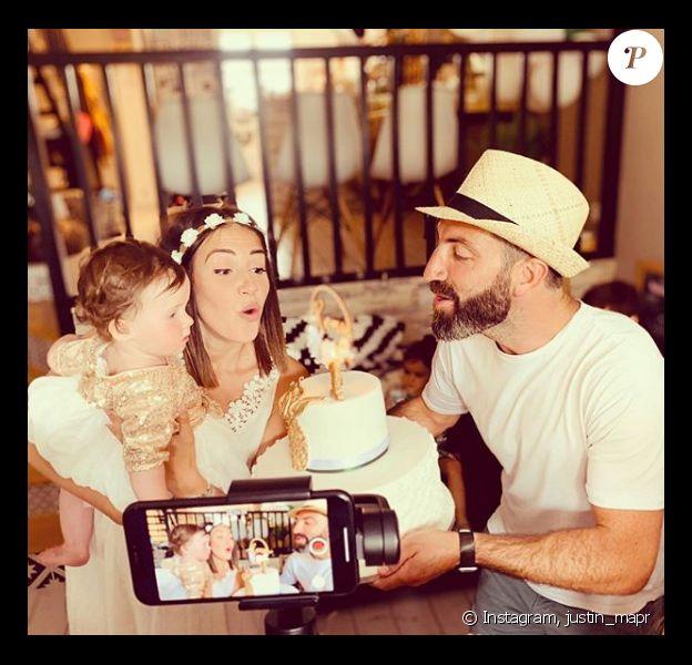 """Tiffany et Justin de """"Mariés au premier regard"""" heureux pour les 1 an de Romy, le 14 juillet 2019"""