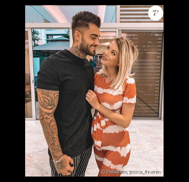 Jessica Thivenin enceinte, pose au côté de son mari Thibault, mercredi 18 juillet 2019