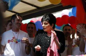 La grande Liza Minnelli a illuminé la Gay Pride et enflammé le Palais des Congrès... rendant hommage à Michael Jackson !
