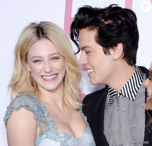 Cole Sprouse et sa compagne Lili Reinhart à la soirée Five Feet Apart à Los Angeles, le 7 mars 2019