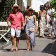 Exclusif - Eva Longoria, son mari Jose Baston se promènent en amoureux dans les rues de Capri en Italie le 14 juillet 2019.