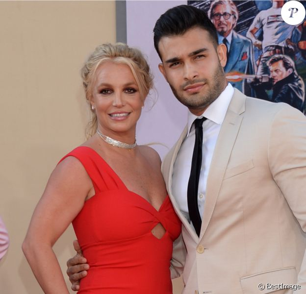 """Britney Spears et son compagnon Sam Asghari à la première de """"Once Upon a Time... in Hollywood"""" à Los Angeles, le 22 juillet 2019."""