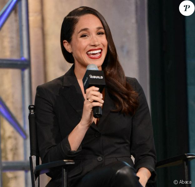 """Meghan Markle en interview promotion pour la série """"Suits"""" à New York, en 2016."""