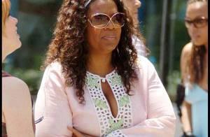 Oprah Winfrey : généreuse, elle dépense 600 000 euros... en emmenant son personnel en vacances ! Regardez !