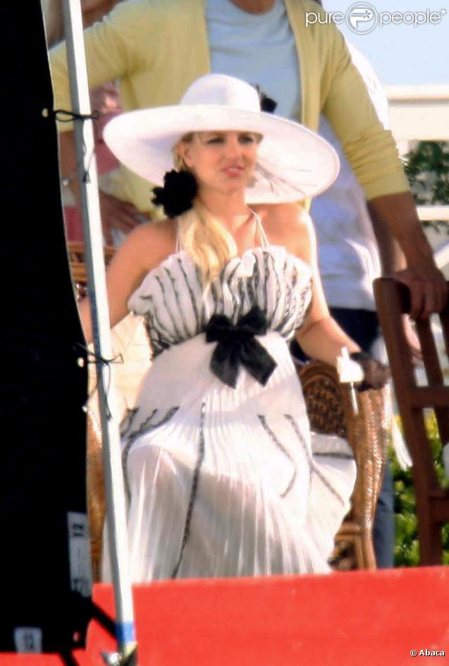 Britney Spears los du tournage de son clip Radar à Santa Barbara