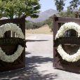 Neverland, le ranch de Michael Jackson, couvert de fleurs...