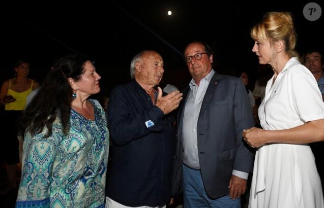 Semi-exclusif - Jean-Pierre Tuveri, maire de Saint-Tropez, sa femme Cecilia, François Hollande et sa compagne Julie Gayet lors de la première édition de l'INDIE FEST à la citadelle de Saint-Tropez, Côte d'Azur, France, le 11 août 2019.