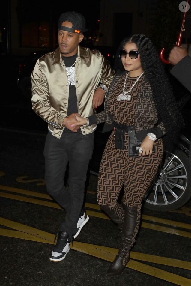 """Nicki Minaj et son nouveau compagnon Kenneth """"Zoo"""" Petty quittent l'hôtel Mandarin Oriental et se rendent à l'hôtel Royal Monceau à Paris le 8 mars 2019."""