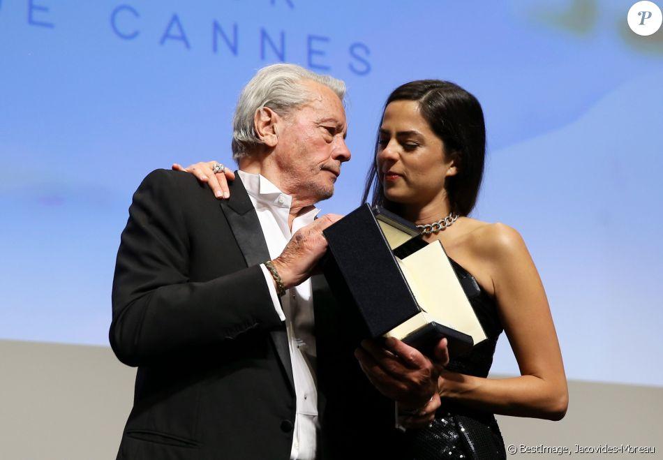 Alain Delon et sa fille Anouchka - Remise de la Palme d'Honneur à Alain Delon lors du 72e Festival International du Film de Cannes. Le 19 mai 2019.