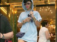 Rihanna a oublié de mettre son pantalon pour sortir...