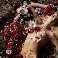 """Daphne Groeneveld et Chris Bunn, ambassadeurs des parfums """"La Belle"""" et """"Le Beau"""" de Jean Paul Gaultier. Août 2019."""