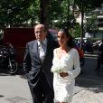 """Danièle très émue quelques minutes avnat de dire """"oui"""" pour la vie à Franck Dubosc"""