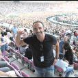 Nikos Aliagas lors du concert de Johnny Hallyday au Stade de Genève le 4 juillet 2009