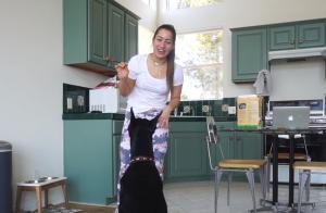 Brooke Houts : La youtubeuse qui a maltraité son chien s'en sort bien