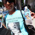 Les fans de Michael Jackson lui rendent hommage