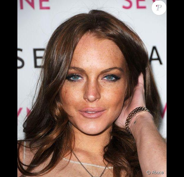 Lindsay Lohan presente son auto-brozant Sevin Nyne en avril 2009