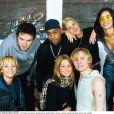 Paul Cattermole et le groupe S Club 7, le 11 février 2001 à Londres.