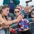 Kristen Stewart inaugure sa cabine sur les planches lors du 45ème festival du Cinéma Américain de Deauville. Le 13 septembre 2019. © Stéphane Kossmann / Bestimage Kristen Stewart inaugurates her booth on les planches at the 45th Deauville American Film Festival. On September 13rd 2019.13/09/2019 - Deauville
