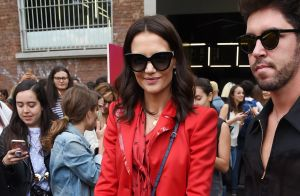 Katie Holmes : Sublime en rouge à la Fashion Week de Milan