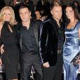 Shane Filan, de Westlife, et sa femme Gillian Walsh (au centre, à gauche) attendent leur troisième enfant