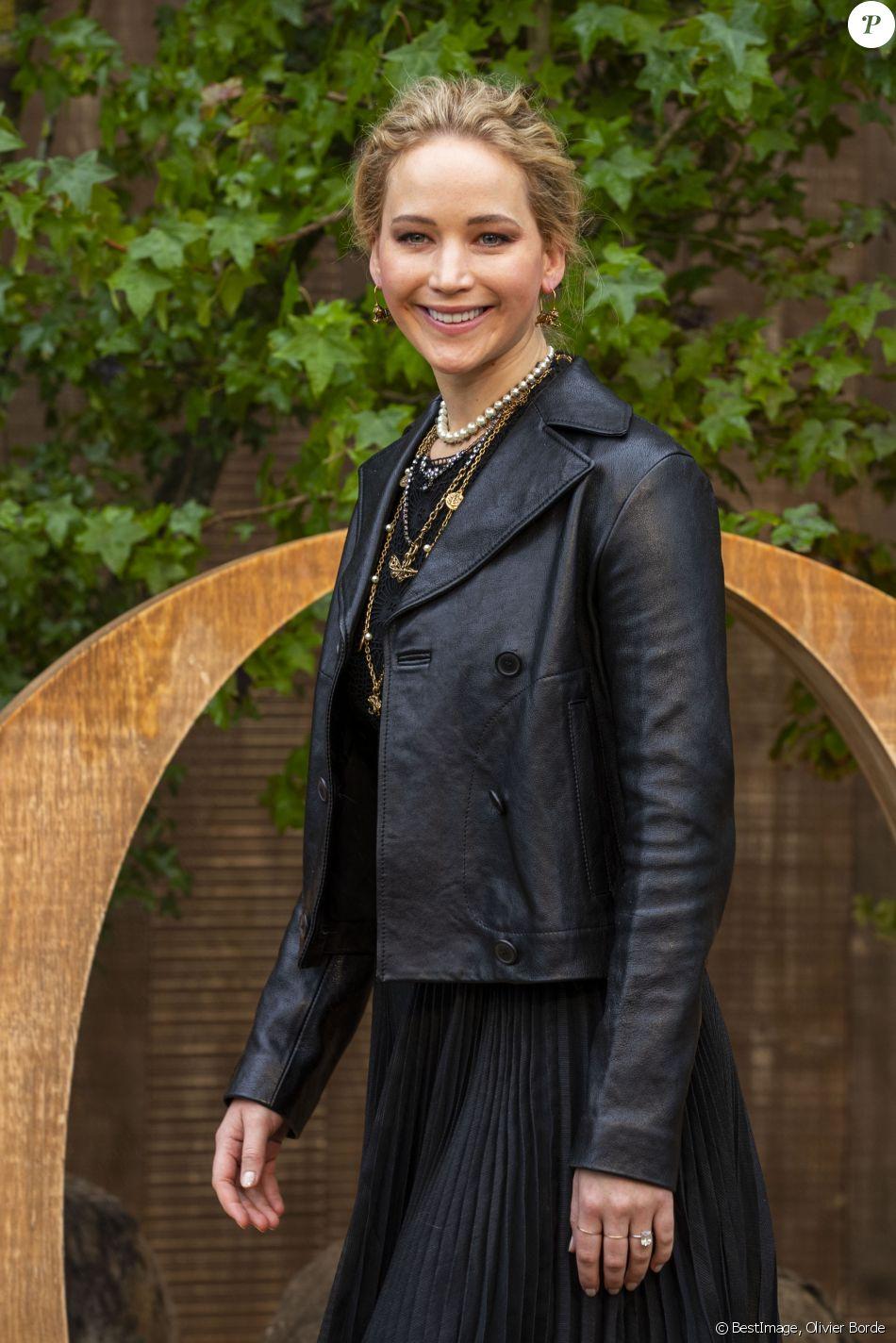 Jennifer Lawrence assiste au défilé Christian Dior, collection prêt-à-porter printemps-été 2020. Paris, le 24 septembre 2019. © Olivier Borde / Bestimage