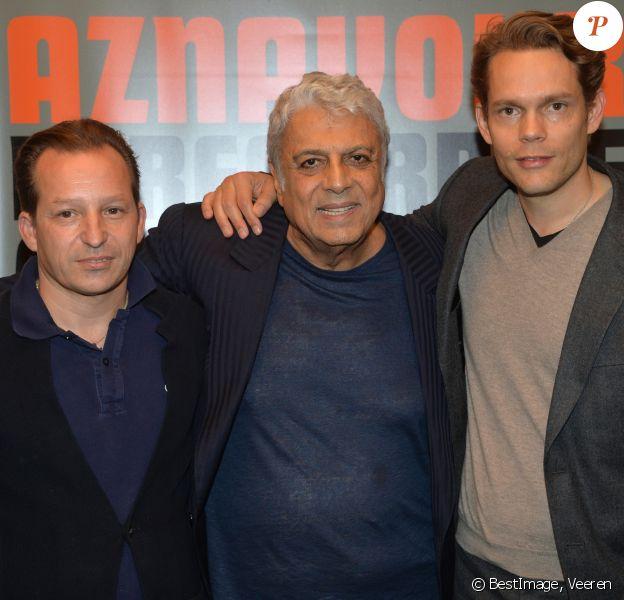 """Mischa Aznavour, Enrico Macias et Nicolas Aznavour - Avant-première du film """"Le Regard de Charles"""" à Paris le 23 septembre 2019. © Veeren/Bestimage"""