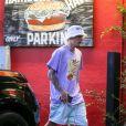 Justin Bieber et sa femme Hailey Baldwin Bieber sont allés se faire masser après un diner et un cinéma en amoureux dans le quartier de West Hollywood à Los Angeles, le 2 octobre 2019