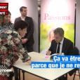 Nicolas Sarkozy sollicité par une fan lors d'une dédicace à Provins, le 5 octobre 2019.