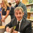 """Exclusif - L'ex-président Nicolas Sarkozy en dédicace de son dernier livre """"Passions"""" à la librairie Lamartine à Neuilly-sur-Seine. Le 14 septembre 2019 © Francis Petit / Bestimage"""