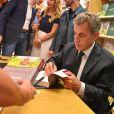 """Exclusif - Nicolas Sarkozy en dédicace de son livre """"Passions"""" à la librairie Lamartine à Neuilly-sur-Seine. Le 14 septembre 2019 © Francis Petit / Bestimage"""