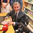 """Exclusif - Nicolas Sarkozy en dédicace de son dernier livre """"Passions"""" à la librairie Lamartine à Neuilly-sur-Seine. Le 14 septembre 2019 © Francis Petit / Bestimage"""
