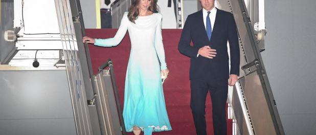 Kate Middleton : Eblouissante au Pakistan en shalwar kameez avec William