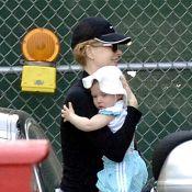 Nicole Kidman, toujours camouflée derrière sa casquette, laisse à découvert l'adorable visage de sa fille !