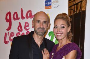 Emmanuelle Berne, divine au bras de son compagnon Chris au Gala de l'Espoir