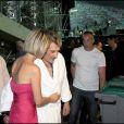 Johnny Hallyday et sa femme Laeticia en coulisses au Stade Velodrome à Marseille le 11 juillet 2009