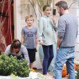 Ben Affleck et Jennifer Garner sont de sortie avec leurs enfants Samuel et Seraphina à Los Angeles, le 27 octobre 2019.