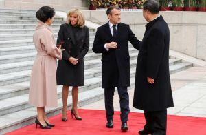 Brigitte Macron sobre en noir à Pékin, pour retrouver XI Jinping et son épouse
