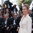 """Cécile de France - Montée des marches du film """"Everybody Knows"""" lors de la cérémonie d'ouverture du 71ème Festival International du Film de Cannes. Le 8 mai 2018 © Borde-Jacovides-Moreau/Bestimage"""