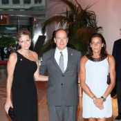 Stephanie de Monaco est remontée sur scène... avec toutes les stars de RFM Party 80 : Albert et sa Charlene étaient les premiers fans !