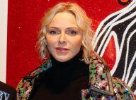 Charlene de Monaco : Cheveux ondulés et veste colorée face à Boy George