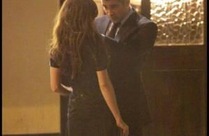 La belle Anna Friel séduit le beau Colin Farrell... et, il ne peut que craquer !