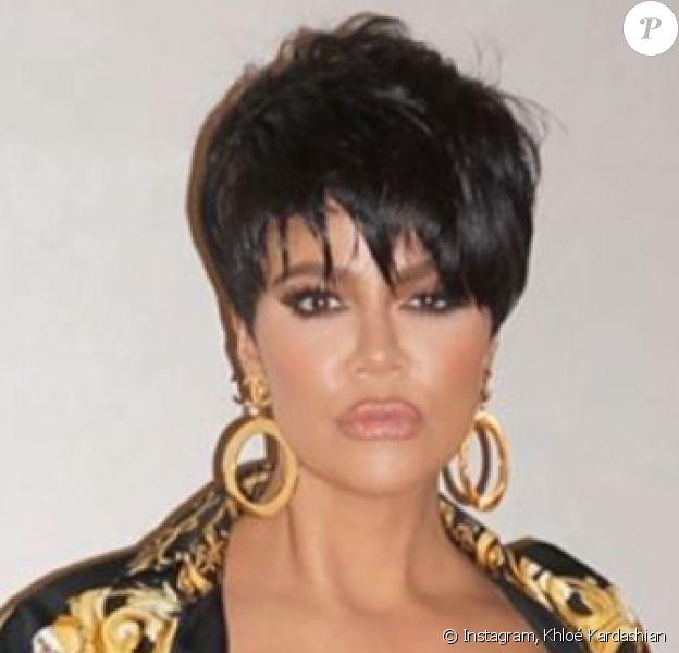 Khloé Kardashian déguisée en Kris Jenner. Décembre 2019.