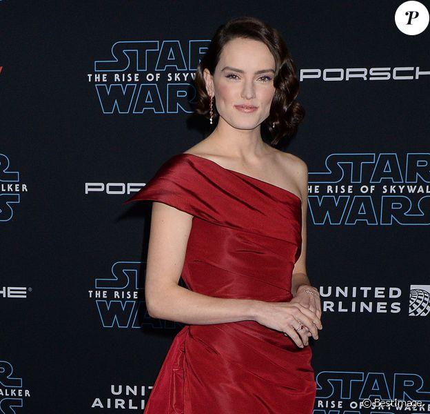 Daisy Ridley assiste à l'avant-première de Star Wars: The Rise Of Skywalker au El Capitan Theatre. Hollywood, Los Angeles, le 16 décembre 2019.