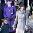 Catherine (Kate) Middleton, duchesse de Cambridge et la princesse Charlotte de Cambridge lors de la messe de Noël en l'église Sainte-Marie-Madeleine à Sandringham au Royaume-Uni, le 25 décembre 2019.