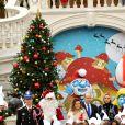 Camille Gottlieb, le prince Albert II de Monaco, la princesse Charlène, Louis Ducruet lors de la remise de cadeaux de Noël aux enfants monégasques au palais à Monaco le 18 décembre 2019. © Bruno Bebert / Bestimage