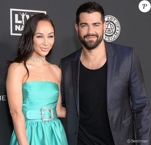 """Cara Santana et son compagnon Jesse Metcalfe lors de la 13ème édition de la soirée de gala """"The Art of Elysiums """" dans la salle de spectacle du Hollywood Palladium à Los Angeles, Californie, Etats-Unis, le 4 janvier 2020."""