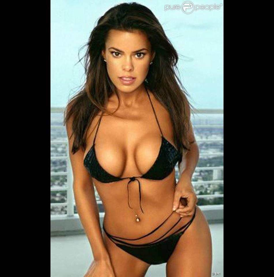 9aca871d9 La belle Rosa Blasi pour la promo d une marque de lingerie... hot ...