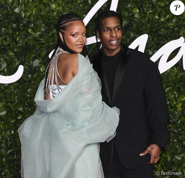 """A$AP Rocky et Rihanna assistent à la cérémonie des """"Fashion Awards 2019"""" au Royal Albert Hall à Londres, le 2 décembre 2019."""